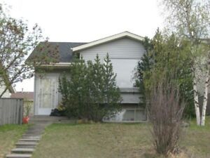 Nice House in MacEwan for Rent