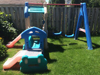 Little Tikes - Swing set and observation deck