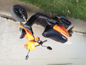 2005 Yamaha bws sport ($1000 or best offer )