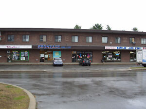 Mascouche - local commercial
