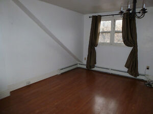 Downtown 2bedrooms +study Kingston Kingston Area image 1