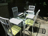 Beautiful 5 Piece Table & Chair Set (Paid $1200 New)