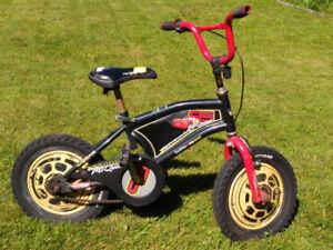 Bicyclette 14 pouces pour enfant de marque McQueen