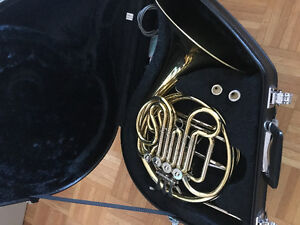 Yamaha 567 Standard Double French Horn