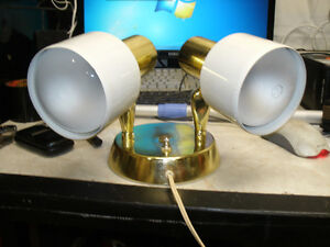 surface mount wall sconce, has switch on the base plate, 2 lamps