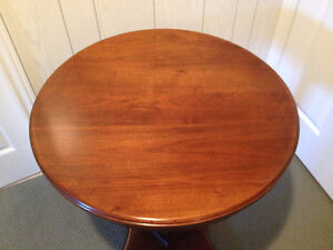 Traditional Round Pedestal Side Table London Ontario image 3