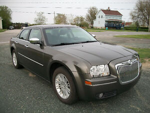 2010 Chrysler 300-Series Touring
