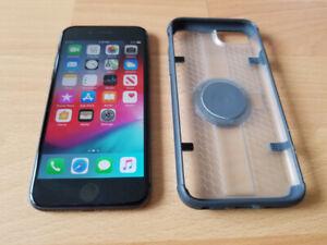 iPhone 8 Unlocked 64GB (cracked on back)