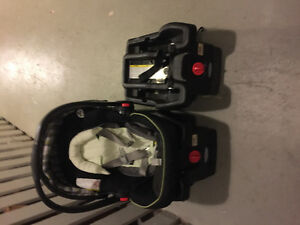 Two Graco Click and Connect bases with FREE carseat