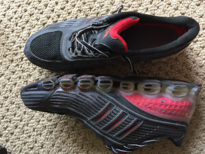 Almost new mens adidas bounce running shoes