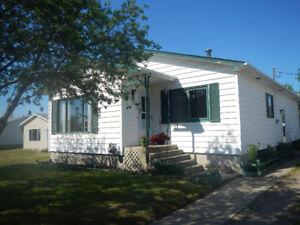 LARGE BUNGALOW FOR SALE IN FAIRVIEW