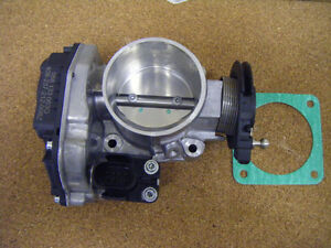 Throttle Body Housing 058133063Q Audi A4 Quattro VW Passat 1.8L