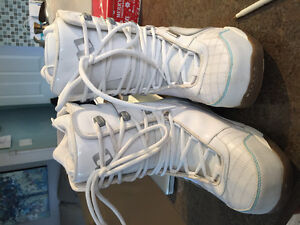 ***Size 8 MORROW Snowboarding Boots***