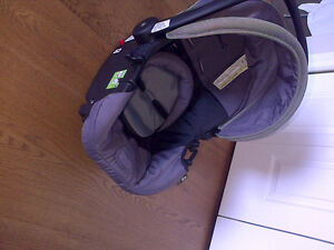 INFANT CAR SEAT Campbell River Comox Valley Area image 1