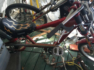 Chopper pedal bike with moteur project not finished