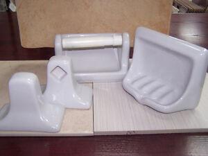 Accessoires pour salle de bain gris porcelaine  / Neufs