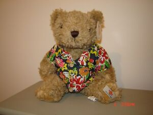 Collectible Hard Rock Cafe Teddy Bear - with tags London Ontario image 2