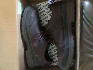 Steel toe causal shoes size 10 men's