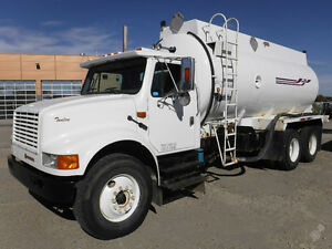 2001 INTERNATIONAL 4900 T/A - PRICE REDUCED