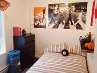 Student room in furnished Apartment (Downtown Montreal) Watch|Sh