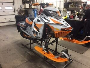 2017 Ski-Doo Renegade X-RS ROTAX 800R E-TEC Ice Cobra 1.6 REV-XS