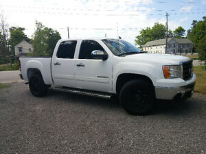 Need gone!!! 2012 GMC Sierra 1500 Sl nevada Pickup Truck