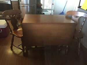Dining table with 2 chairs + extension  London Ontario image 3