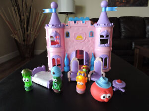 VEGGIE TALES PRINCESS CASTLE