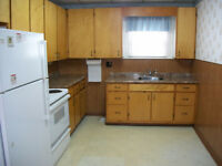 A 3 BEDRM HOUSE IN QUIET CENTRAL OSHAWA $1300 + UTILITIES