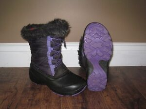Girls Kamik winter boots - Size 4