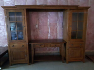 RUSTIC BARN BOARD STYLE ENTERTAINMENT WALL UNIT