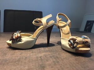 Chaussures pour femmes, tailles 6.5-7