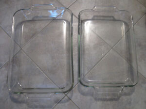 TWO LARGE GLASS ANCHOR HOCKING BAKING CASSEROLES