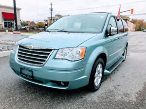 ▀▄▀▄▀▄▀►    2009 TOWN & COUNTRY -- $8995+HST◄▀▄▀▄▀▄▀