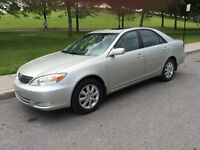 CAMRY XLE,2002,BAS MILAGE,99000km,IMPECCABLE,TOUT EQUPE..