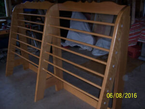QUILT DISPLAY RACK SOLID MAPLE