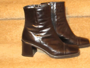 WOMAN'S LEATHER DRESS BOOTS Cambridge Kitchener Area image 2