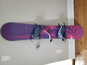 Womens 146cm liquid cirrus snowboard with bindings