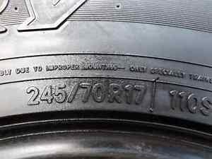 pneus hivers 245-70-17 toyo g-02 open country en bonne condition