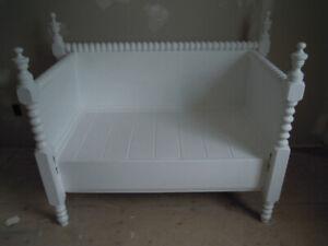 Custom Spool Bed Bench