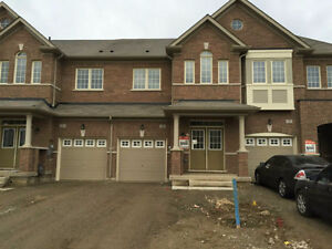 Brand NEW 4-bdrm house, SS Appliances, En-suite, Lots of upgrade