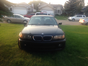 2005 Black BMW CAR, In GREAT condition