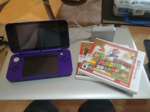 PRICE REDUCED TWICE Nintendo 2DS, 2 MONTHS OLD, 4 GAMES
