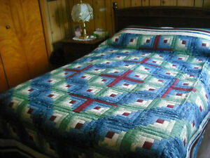 HOMEMADE QUILT- LOG CABIN....BARN RAISING