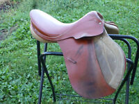 17 1/2 IN GERMAN SADDLE FOR HIGH WITHERED HORSE