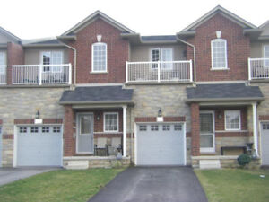 FOR RENT Townhouse Stoney Creek by Lake - Finished basement!