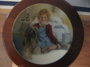 """""""Annie and Sandy"""" collector plate"""