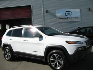 2015 Jeep Cherokee 4WD 4dr Trailhawk TECHNOLOGY PACKAGE