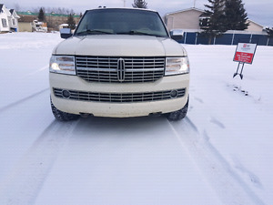 2007 lincoln navigator fully.loaded low kms suv