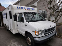 2001 Ford E-Series CubeVan Pickup Truck